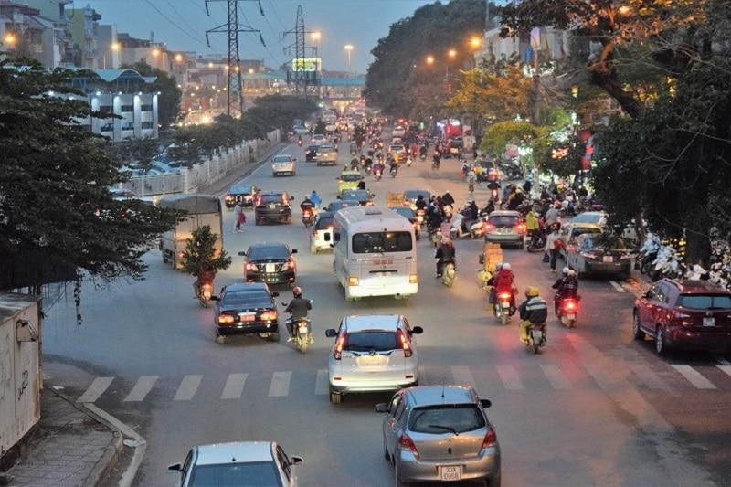 Lots of traffic in Vietnam Backpacker's Guide to Vietnam