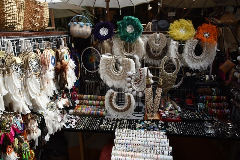 A selection of different Balinese market products on display. Even 1 week in bali is enough to buy souvenirs and gifts