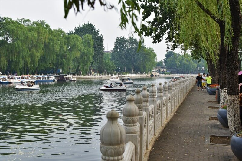 Boats on Houhai Lakes to Enjoy On A Beijing Itinerary