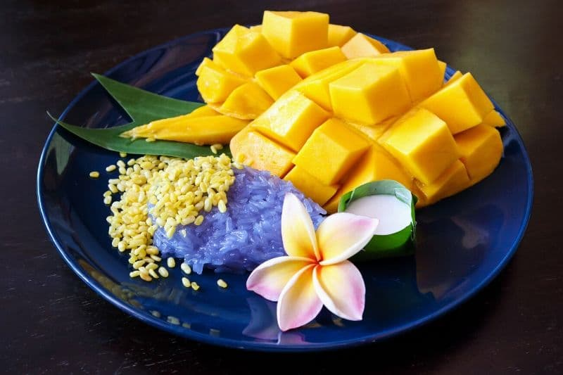 Mango with sticky rice on the side