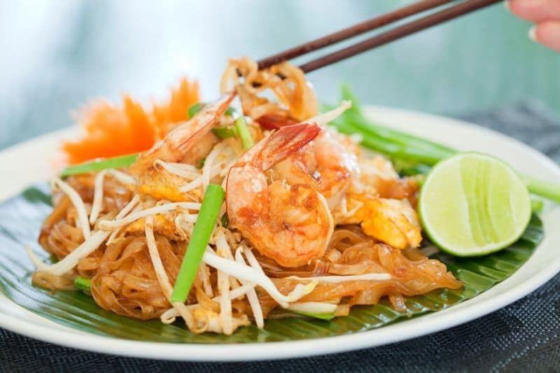 A shrimp pad thai, like one you could make at a chiang mai cooking class